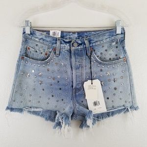 Levi's NWT Studded Distressed Denim Shorts A1
